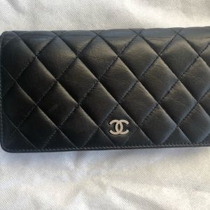 CHANEL🔥Lambskin Quilted Wallet